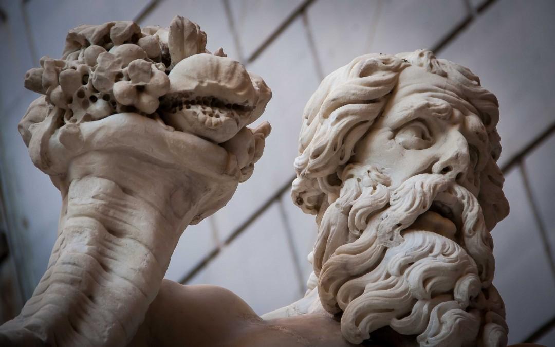 Napoli, i misteri nel giorno di festa