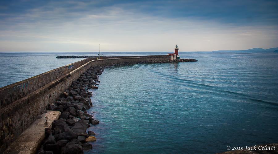 il faro del porto d'Ischia - in partenza per un nuovo viaggio
